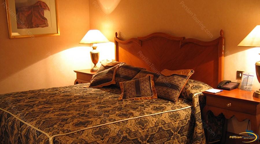 esteghlal-hotel-tehran-double-room-2