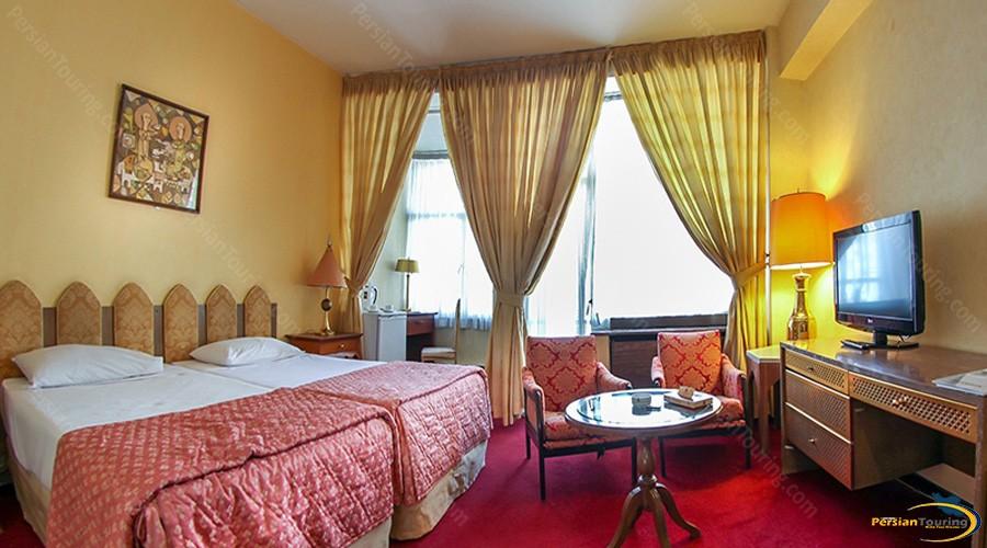 esteghlal-hotel-tehran-twin-room-2