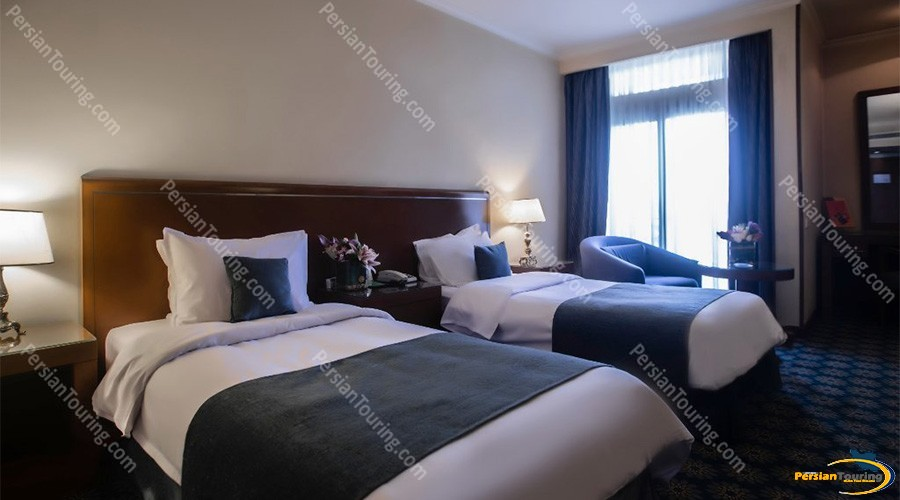 Parsian-Kowsar-Hotel-Isfahan-Twin-Rooms