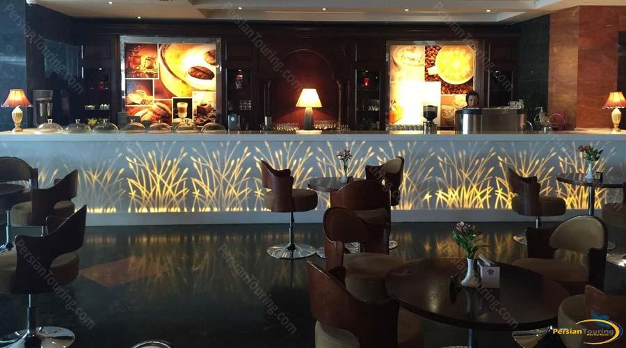 grand-hotel-shiraz-cafe-1