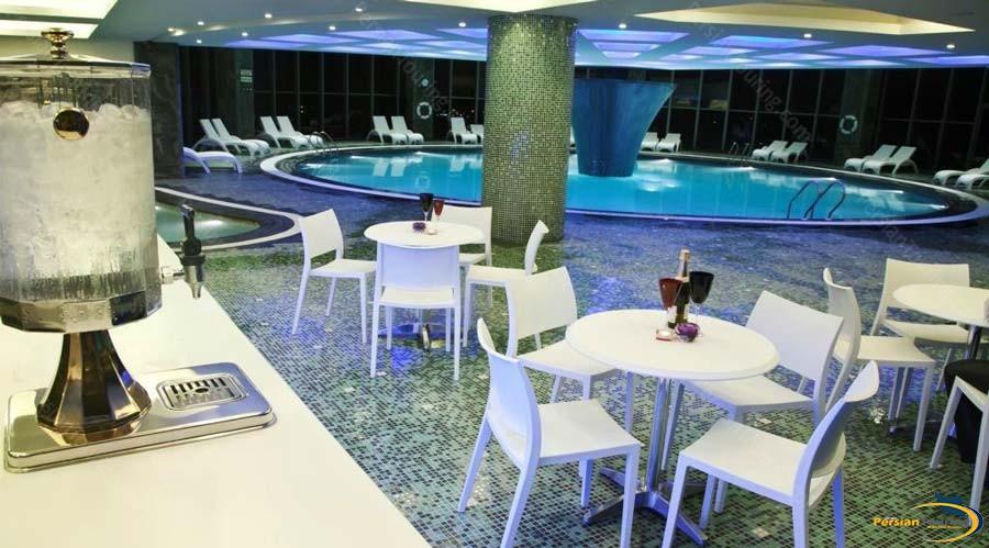 grand-hotel-shiraz-pool-2