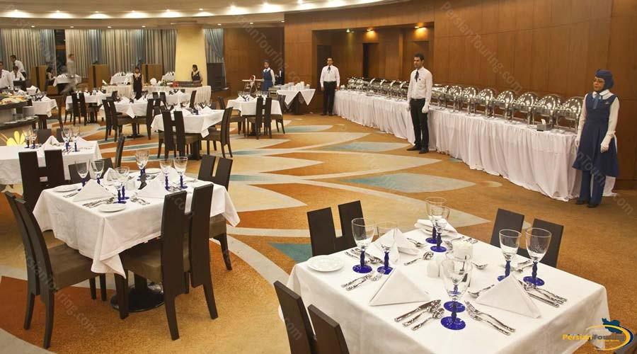 grand-hotel-shiraz-restaurant-3