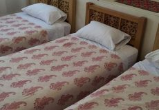 manouchehri-traditional-hotel-kashan-triple-room-2
