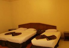 parsian-safaiyeh-hotel-yazd-triple-room-3