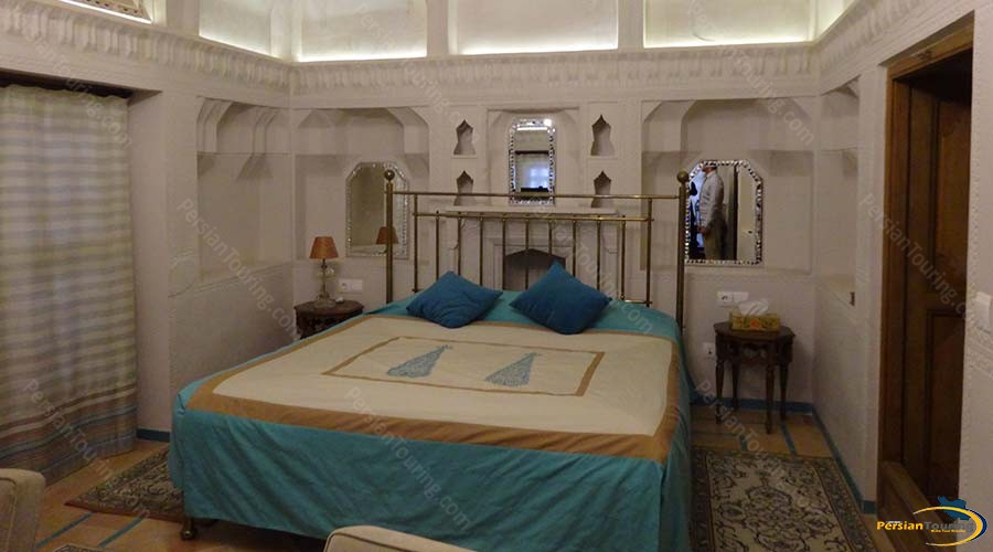saraye-ameriha-boutique-hotel-kashan-royal-suite-3
