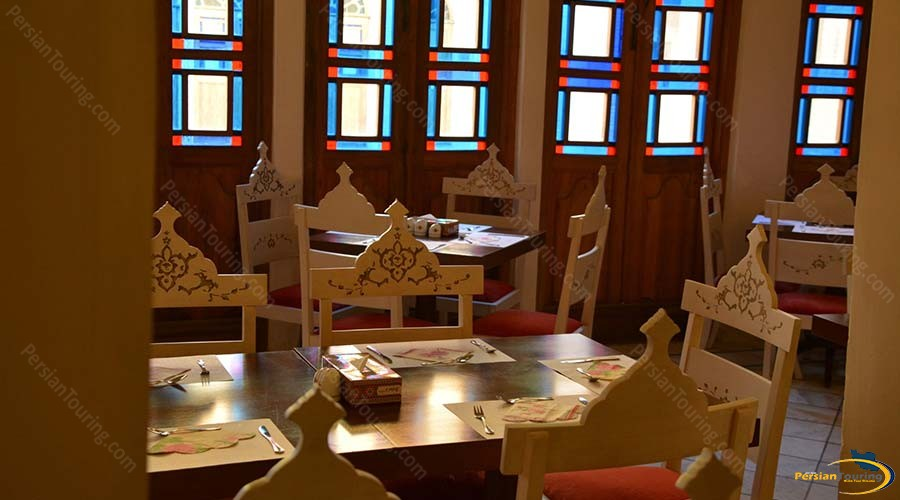 saraye-ameriha-boutique-hotel-kashan-traditional-restaurant-1