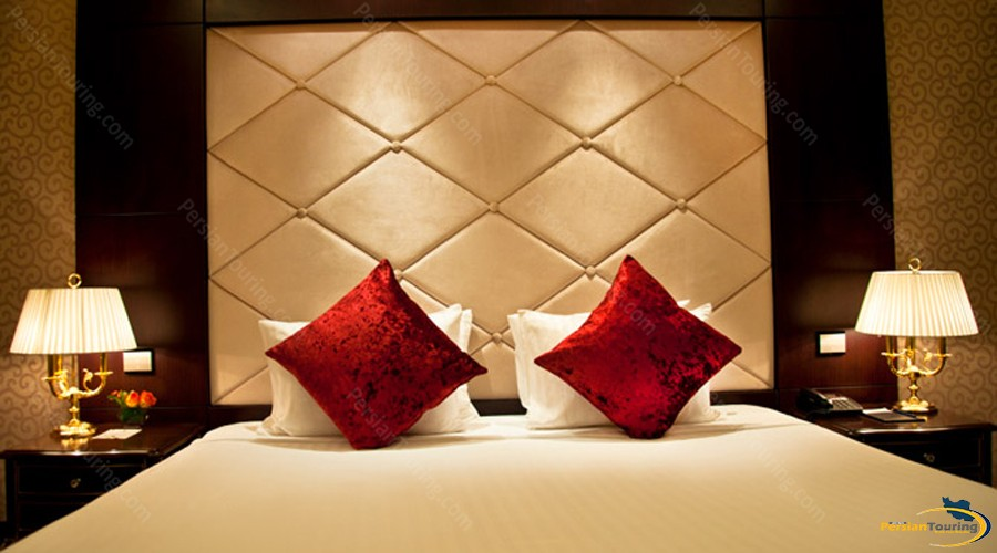 parsian-azadi-hotel-tehran-peresidential-suite-1