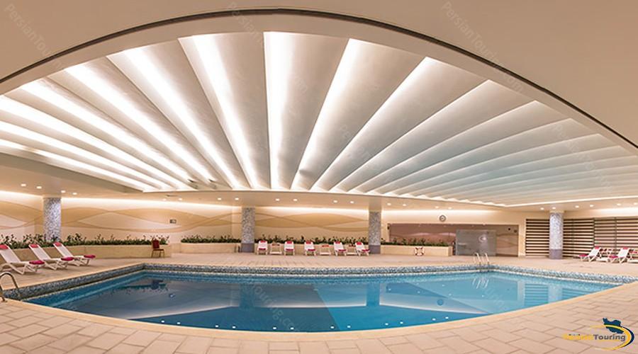 parsian-azadi-hotel-tehran-pool