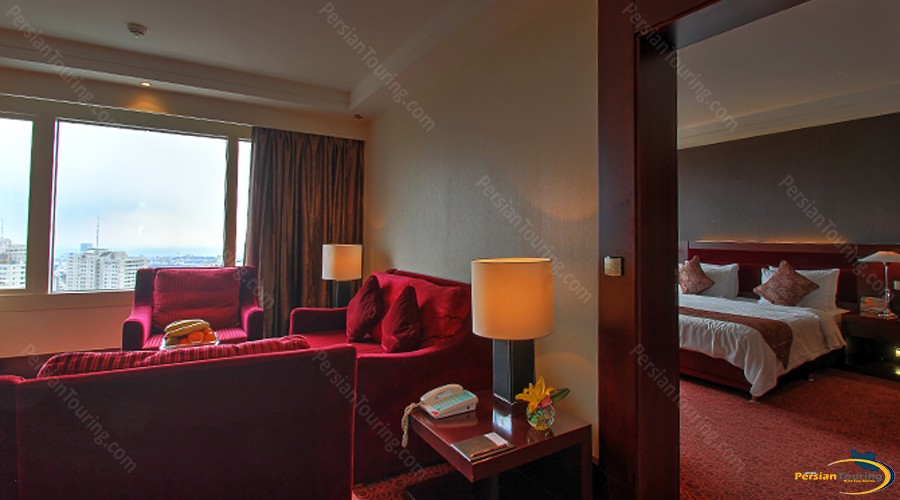parsian-azadi-hotel-tehran-royal-suite-1