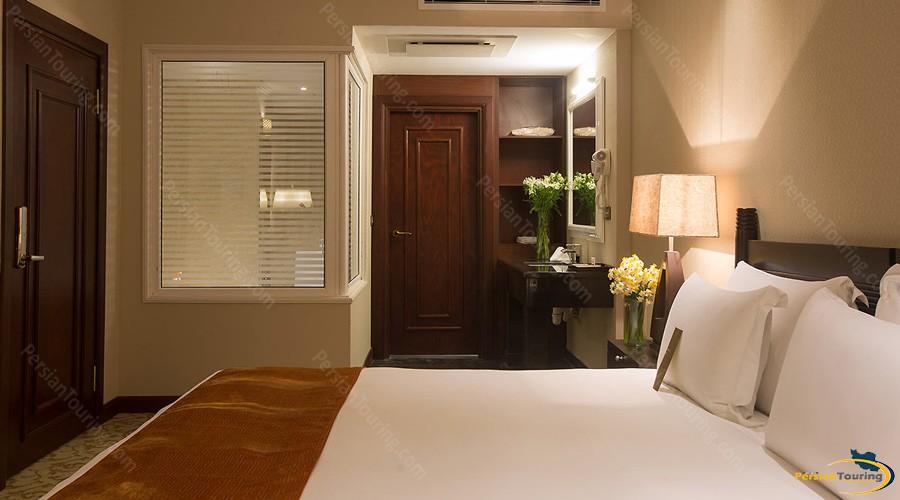 espinas-palace-hotel-tehran-jonior-suite2