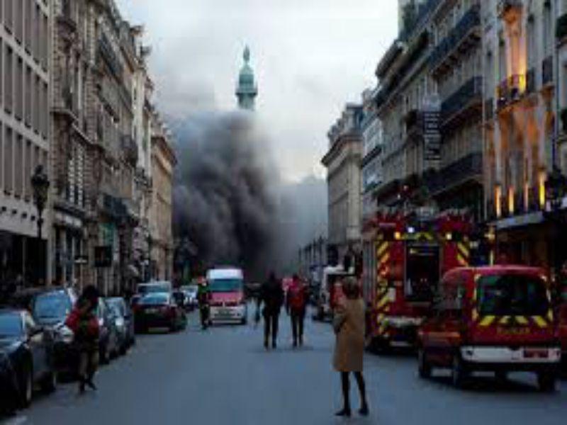 fire breaks out at Paris Ritz-Carlton hotel