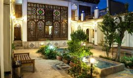 Atigh-Traditional-Hotel-Isfahan-12