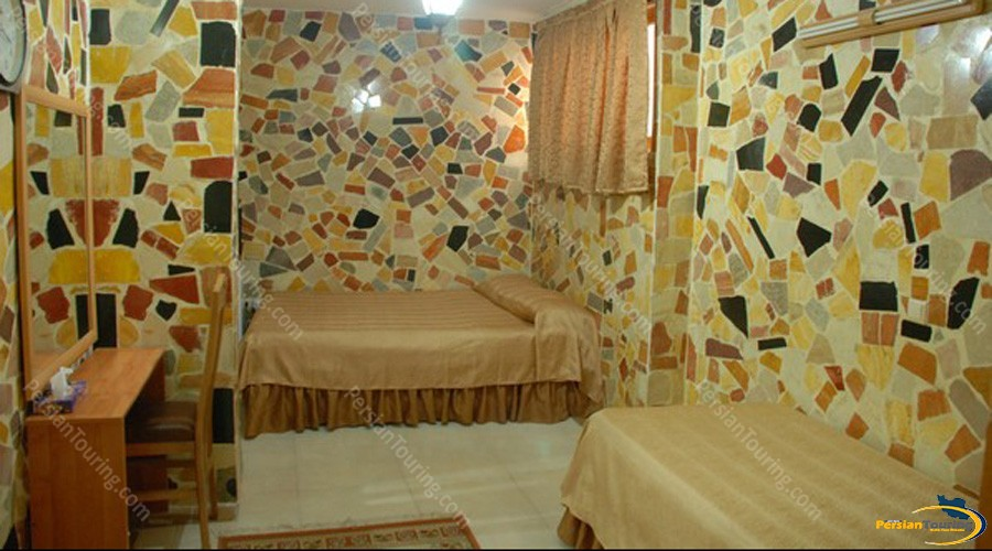 Ibne-Sina-Hotel-Isfahan-Triple-Room-2