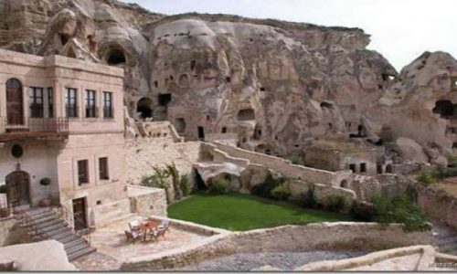 Laleh Kandovan International Rocky Hotel