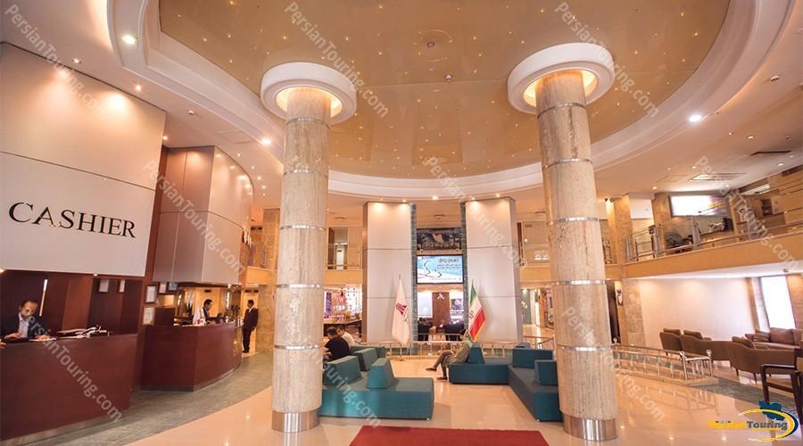Parsian-Kowsar-Hotel-Isfahan-Lobby
