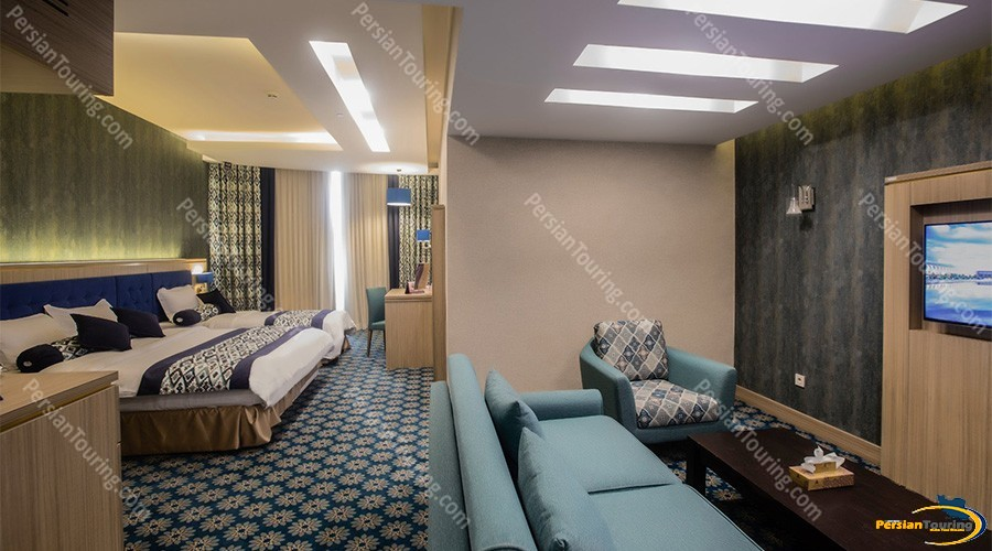 Parsian-Kowsar-Hotel-Isfahan-Triple