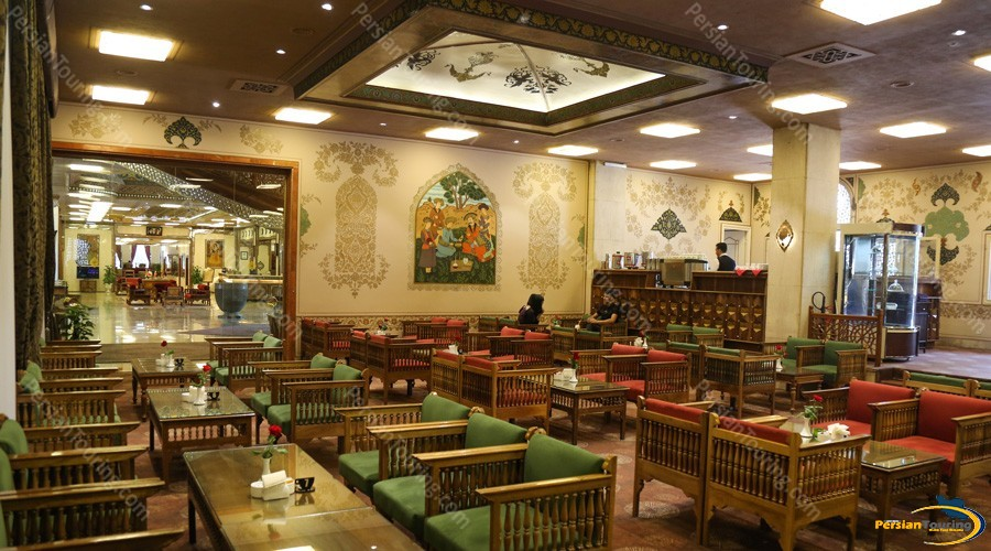 abbasi-hotel-isfahan-naghsh-jahan-cafe