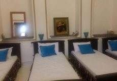 adib-al-mamalek-hotel-yazd-quadruple-room-1