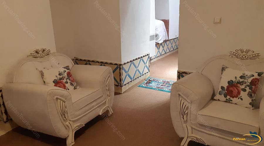adib-al-mamalek-hotel-yazd-six-persons-room-1