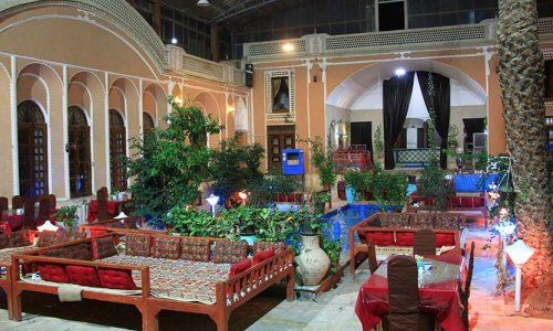 adib-al-mamalek-hotel-yazd-yard–1