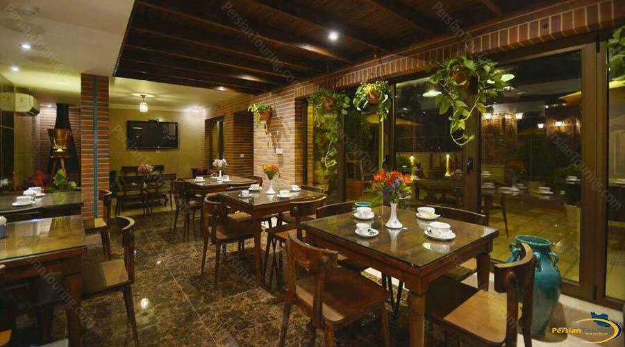 arg-hotel-shiraz-cafe-1