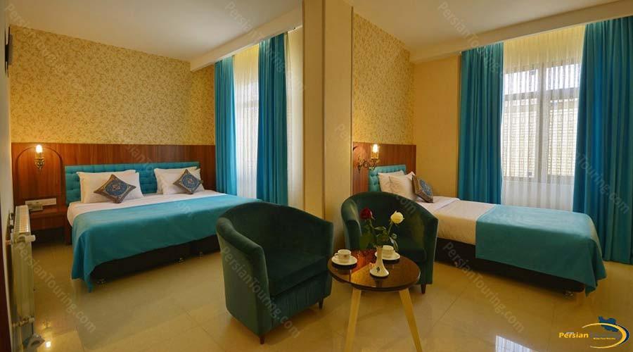 arg-hotel-shiraz-triple-room-2