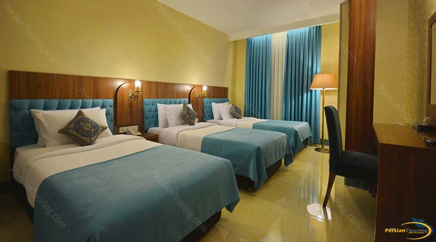 arg-hotel-shiraz-triple-room-4