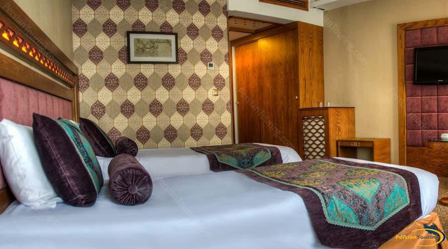 aryo-barzan-hotel-shiraz-twin-room-2