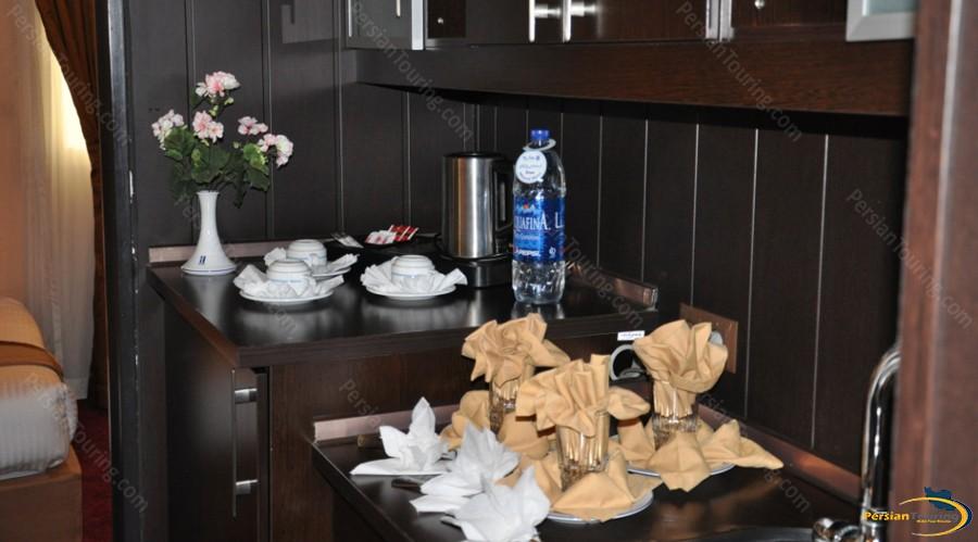 asareh-hotel-tehran-room