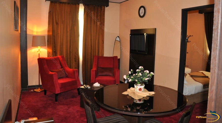 asareh-hotel-tehran-suite-1