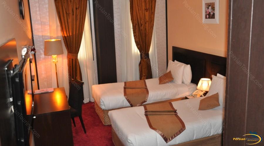asareh-hotel-tehran-twin-room-1