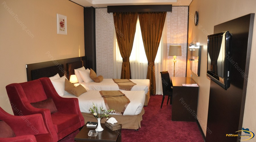 asareh-hotel-tehran-twin-room-2