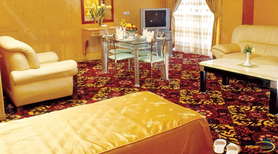 aseman-hotel-isfahan-one-bedroom-suite