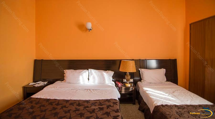 atlas-hotel-shiraz-triple-room-3