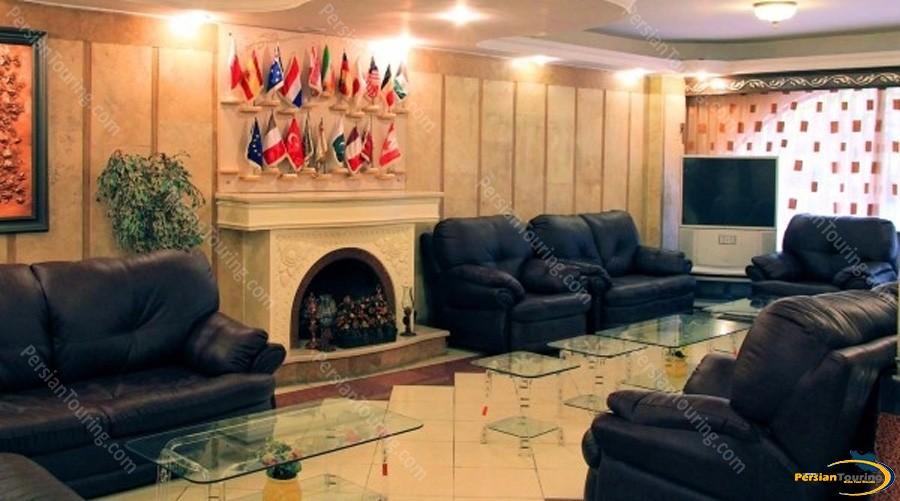 azadi-hotel-isfahan-lobby-1
