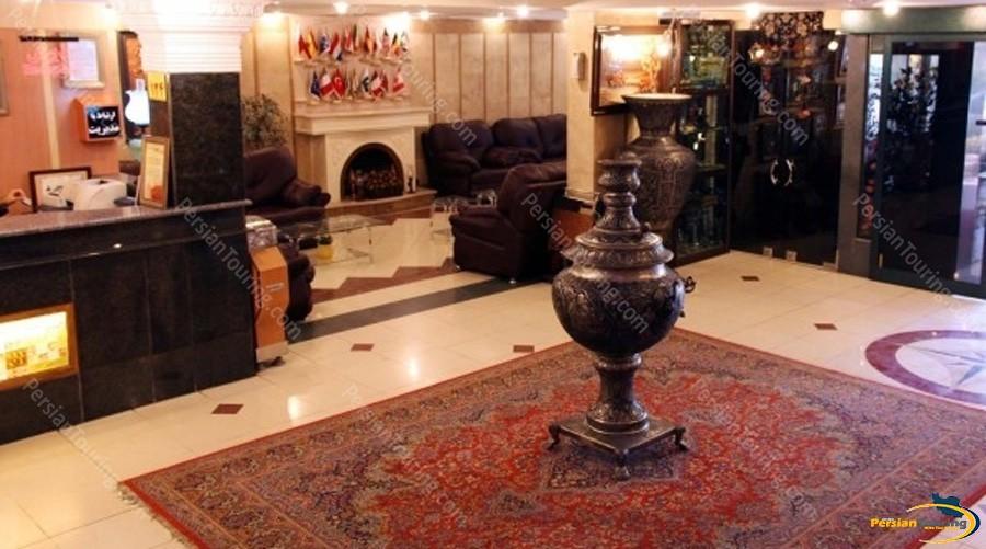 azadi-hotel-isfahan-lobby
