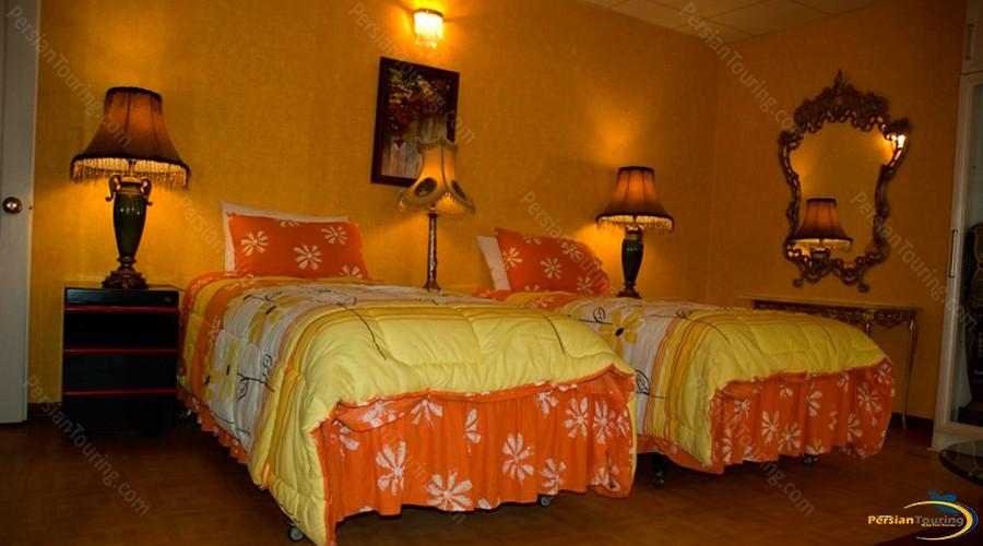 borj-sefid-hotel-tehran-twin-room-3