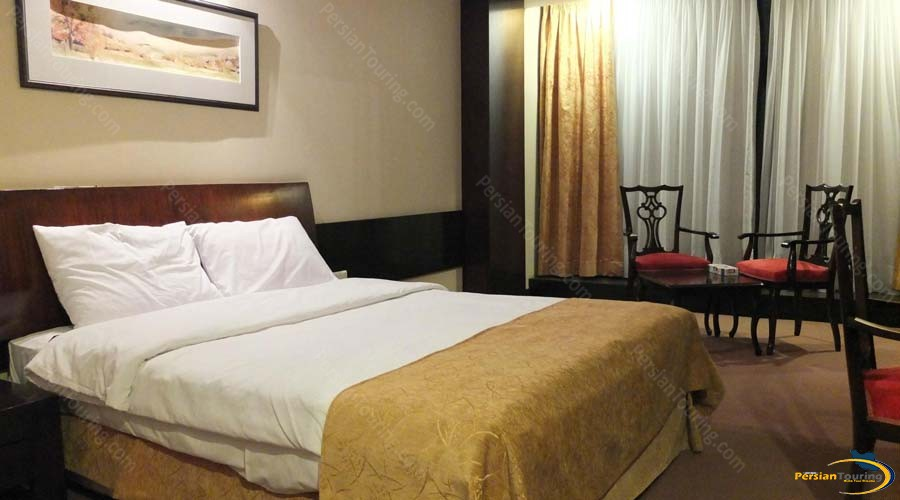 chamran-grand-hotel-shiraz-double-room-3