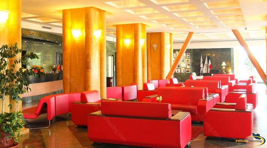 chamran-grand-hotel-shiraz-labby-2