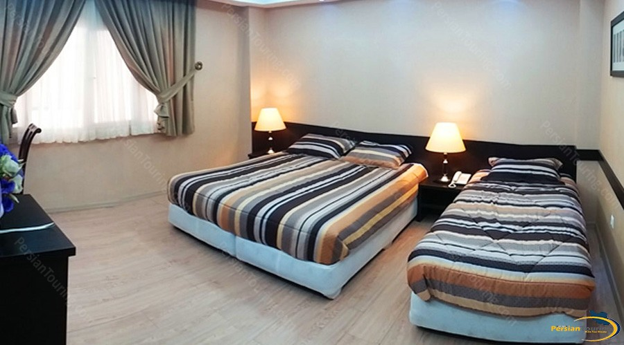 diamond-hotel-tehran-triple-room-1
