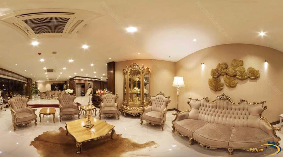 grand-hotel-shiraz-labby-1