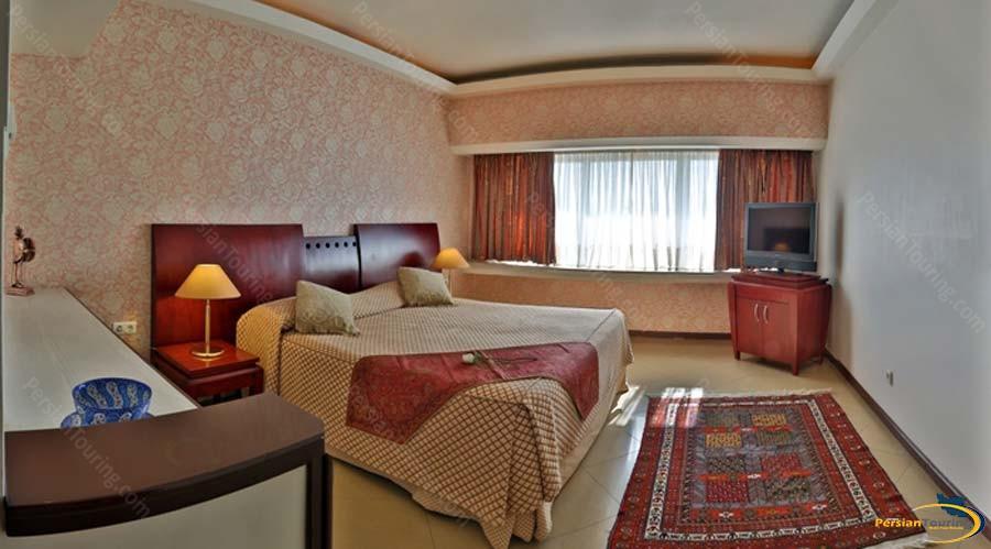 homa-hotel-shiraz-double-room-1