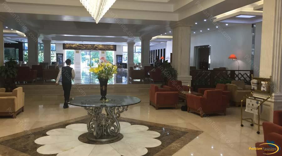 homa-hotel-shiraz-labby-2