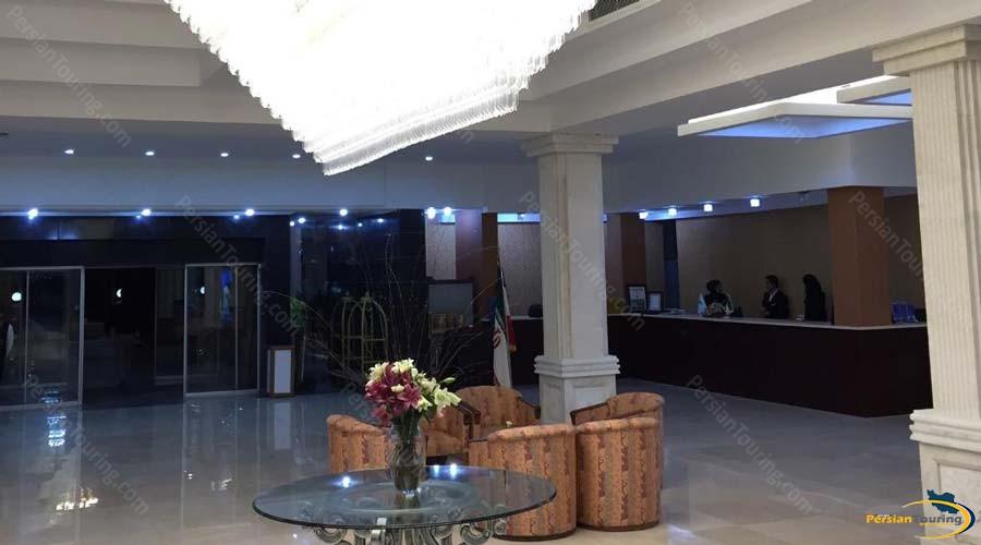 homa-hotel-shiraz-recepsion-1