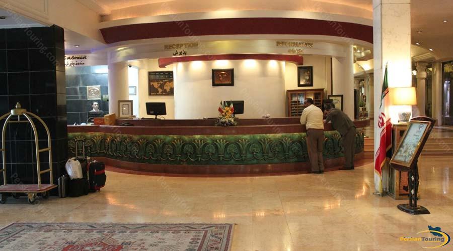 homa-hotel-shiraz-recepsion-2