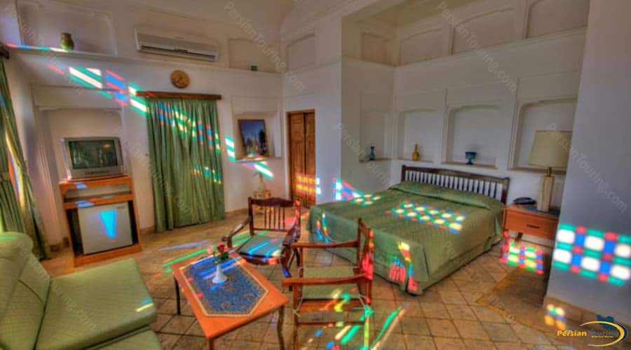 international-laleh-hotel-yazd-double-room-2