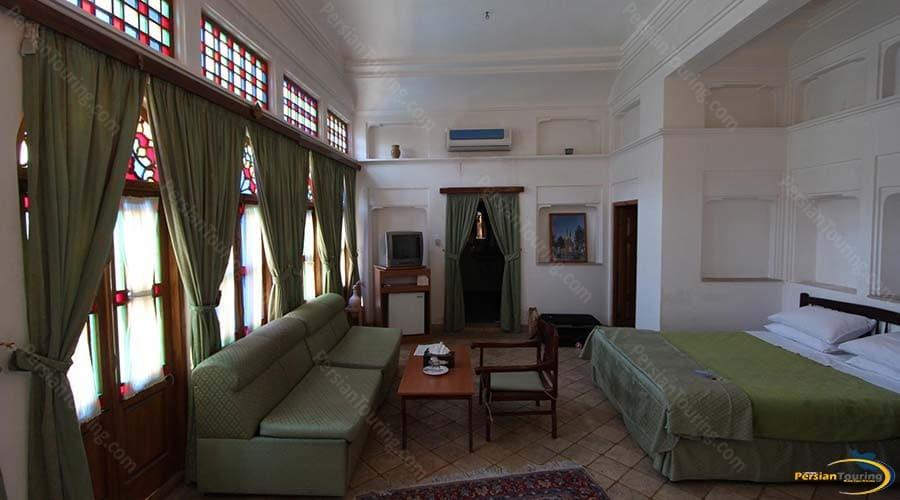 international-laleh-hotel-yazd-double-room-3