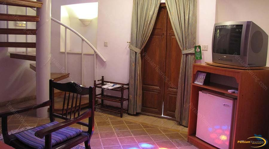 international-laleh-hotel-yazd-suite-1
