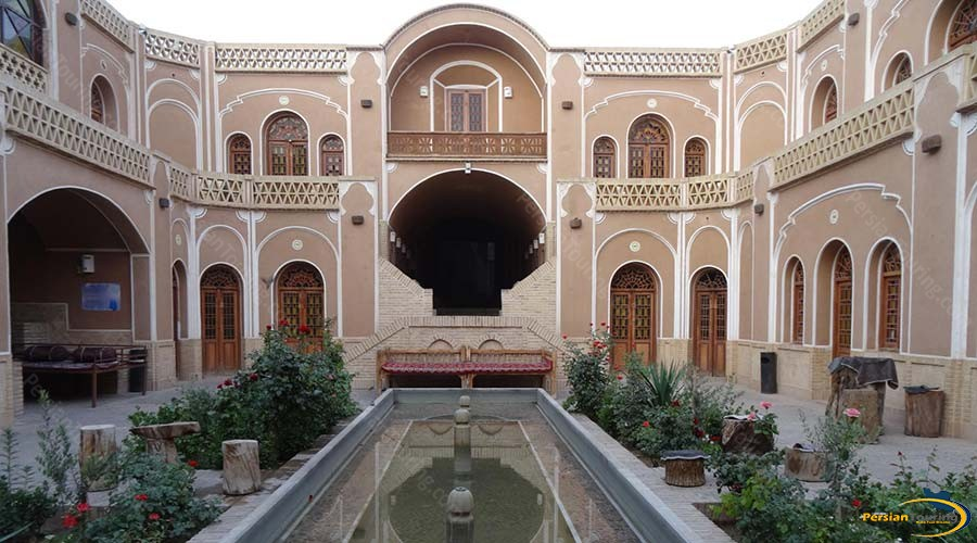 international-laleh-hotel-yazd-view-1