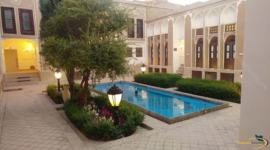 international-laleh-hotel-yazd-view-3